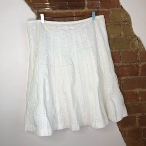 Liz Claiborne Pleated Textured White Skirt size 14